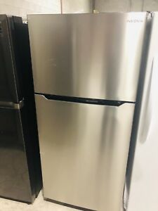 "Insignia 30"" TOP FREEZER FRIDGE **NEW OPEN BOX**"