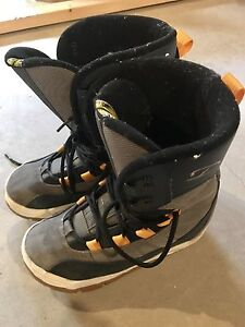 Snowboarding boots great condition!