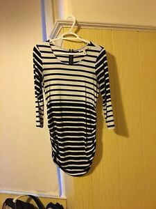 Lot of maternity tops size small and xs