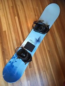 **JUST REDUCED** FULL SNOWBOARD PACKAGE