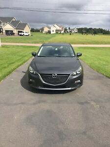 2014 Mazda 3 GS Sky - Financing Available!