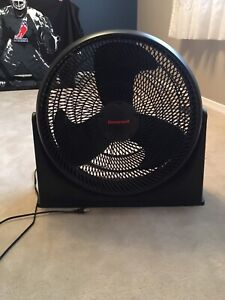 EXCELLENT Honeywell fan for sale!