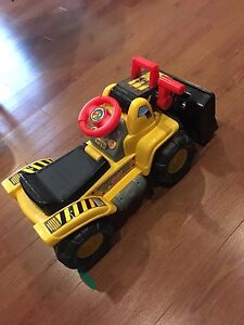 Kids Play Tractor