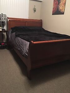 Sleigh bed for sale (Queen size)