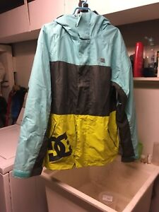 DC shoe snowboarding or ski jacket.