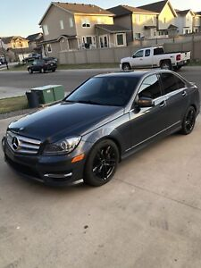 2013 Mercedes-Benz C300 ! LOW kms!!AWD!!