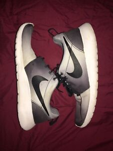 Roshe run size 9