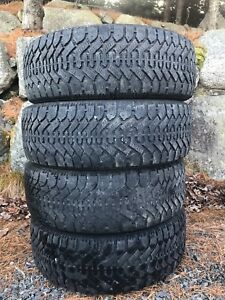 4 winter tires Goodyear Nordic 225/60/16