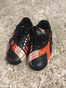 Diadora youth soccer cleats size 12