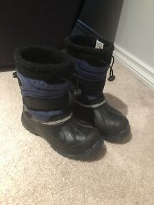Water proof Snow boots kids  size 5