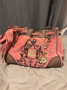 **** JUICY COUTURE PURSE ****
