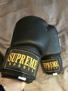 Supreme boxing gloves - womens small.