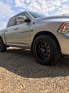 2012 ram 1500 excellent condition!