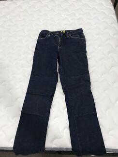 Draggin woman's jeans
