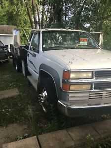 3500 Chevy with dump