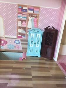 Dolls classic wardrobe