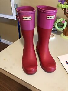 Girls Hunter boots size 4!  SOLD