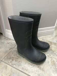 Boys size 12-rubber boots