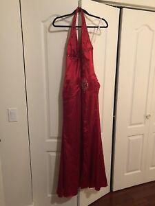 Robe de soirée rouge. Taille Small