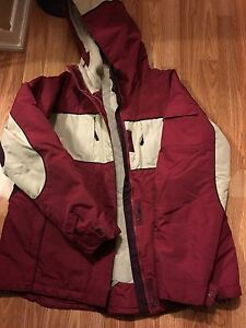 SELLING A SIZE LARGE WOMANS WINTER JACKET