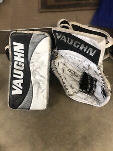 Vaughn Intermediate goalie gloves.