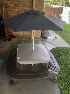 Little Tikes Outdoor Table and Umbrella