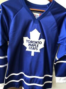 Barley Worn Ladies Maple Leafs Jersey
