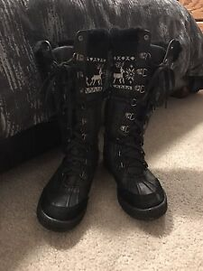 Size 6 hot paws boots