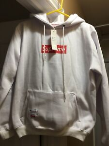 Men's Knockoff SUPREME hoodie brand new with tag on it