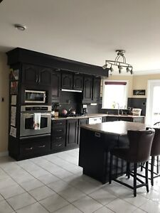 Beautiful full kitchen for sale