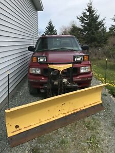 1995 Gmc Sonoma 4x4 with plow $3200 OBO
