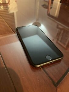 Iphone 7 Matte Black 32 gb *mint condition*