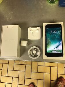 Selling Brand NEW iPhone 7 128GB WARRANTY  * ROGERS *