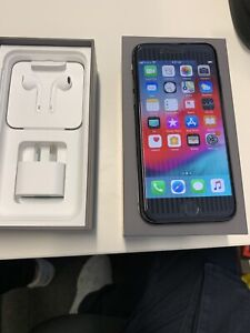 iPhone 8, space grey 64GB mint condition