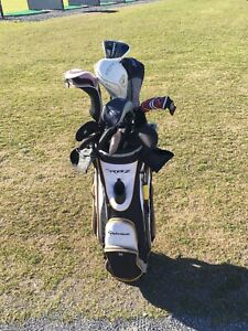 Ladies left handed golf bag and clubs.