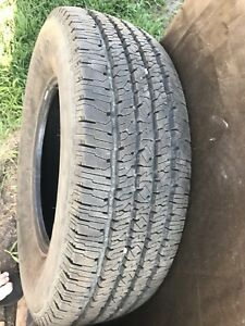Set of 275/70-18 10ply Like new Truck Tires