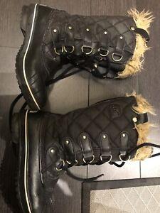 Sorel Tofino Boots Size 7 EUC