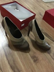 Brown/Tan Guess High Heels