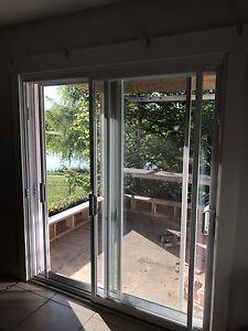 Double sliding balcony door, in great shape