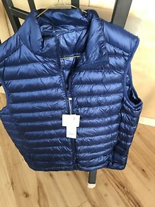 MENS ULTRA LIGHT GOOSE DOWN VEST - NOT WORN