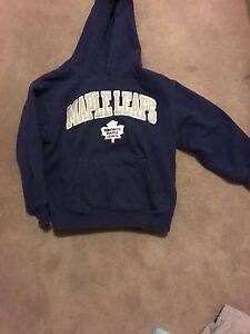 Toronto maple leafs hoodie size7/8