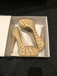 Women's shoes size 7
