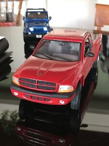 Dodge Dakota Sport 4x4 Red 1:18 scale diecast model