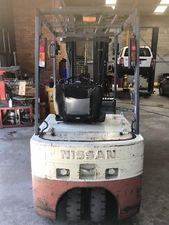 NISSAN ELECTRIC FORKLIFT , 3 WHEEL, 1.3 TON