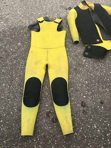 Wetsuits 1/4 inch cold water scuba diving