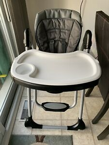 Babytrend 2 in 1 high chair