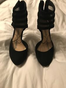 Jessica Simpson Black Suede Avalyn Pumps