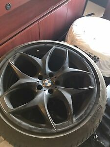 "21"" Original BMW X5 or X6 rims and tires"