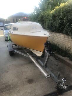4.1M Sailboat (Trailer Sailer)