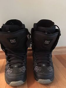 DC SNOWBOARD BOOTS SIZE 7.5 $25